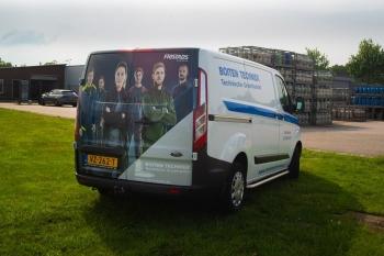 bus van Boiten Techniek voorzien van Fristads Fusion lijn reclame